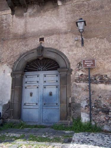 Paterno'. Palazzo Moncada - PATERNÒ - inserita il 01-Jun-08
