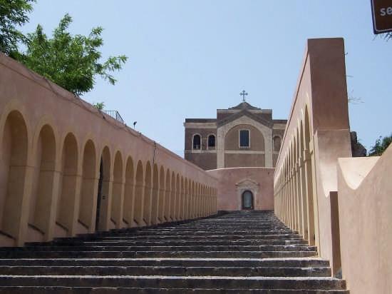 Paterno'.Gradinata e Chiesa di S. Maria dell'Alto. - Paternò (6208 clic)