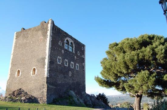 Castello Normanno - Paternò (4889 clic)