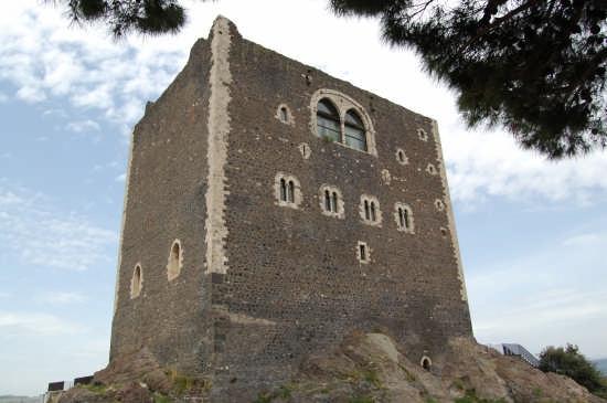 Castello Normanno - Paternò (3563 clic)