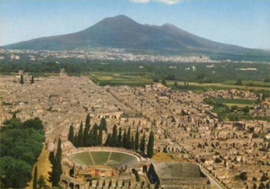 pompei scavi con vesuvio (14503 clic)