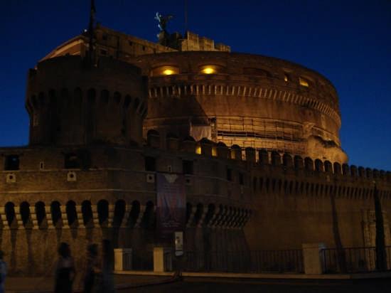 Castel S'Antangelo di notte Roma C.C. (4812 clic)