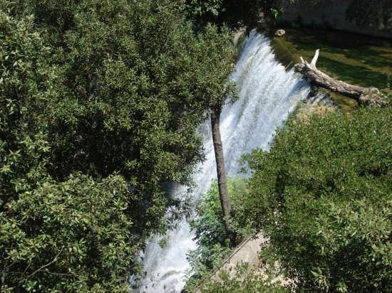Cascata di Villa Gregoriana C.C. - TIVOLI - inserita il 26-Sep-07
