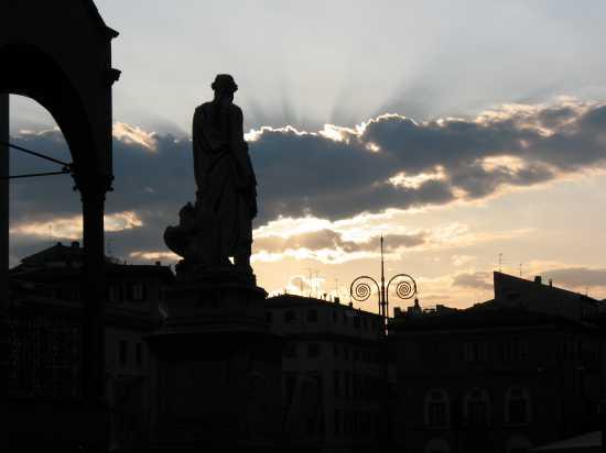 Il sommo poeta al tramonto - Firenze (2125 clic)