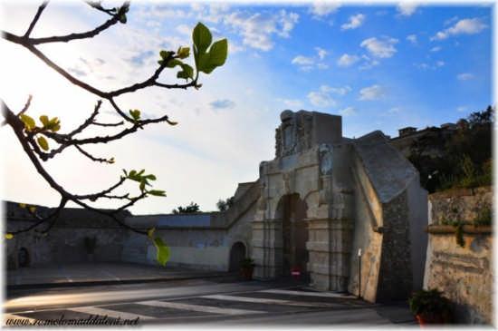 Augusta - Porta di terra (Spagnola) (3248 clic)