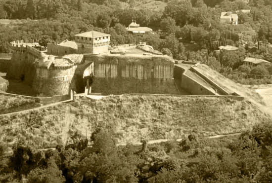 Fortezza Sarzanello - Sarzana (5997 clic)