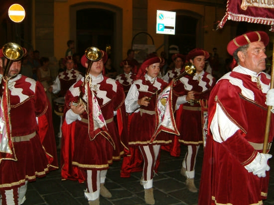 Palio di Sarzana - La Sfilata - I tamburini (2461 clic)