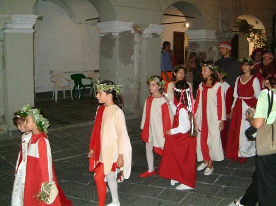 Palio Sarzana - La Sfilata - I Bimbi di Sarzanello (2616 clic)