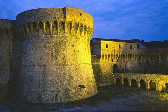 La Cittadella - Veduta Notturna - Sarzana (4586 clic)