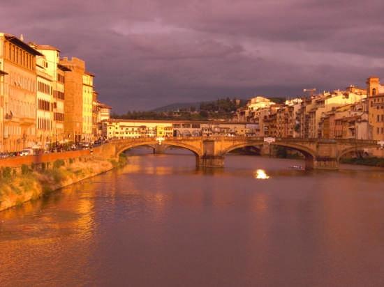 tramonto su ponte Vecchio. - Firenze (5458 clic)