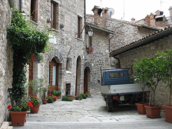 vicoli del centro storico - Gubbio (8497 clic)