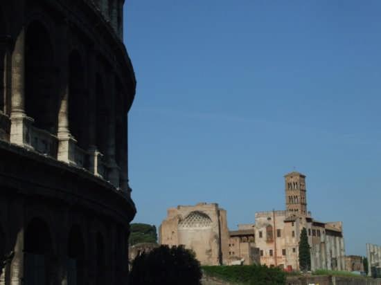 Scorcio dal Colosseo - Roma (2129 clic)
