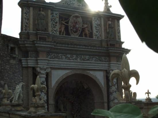 bassorilievi a colori-villa d'este - Tivoli (3035 clic)