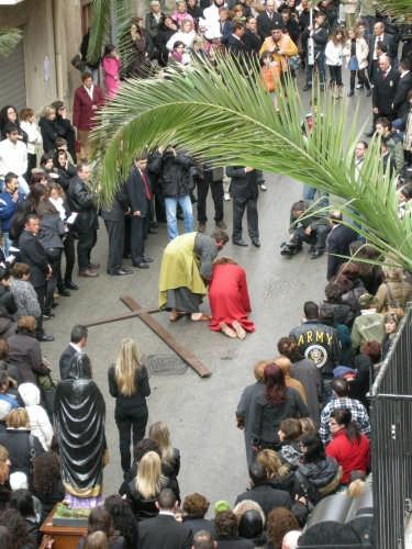 Via Crucis 2008 Gesù cade per la seconda volta - Borgetto (4063 clic)