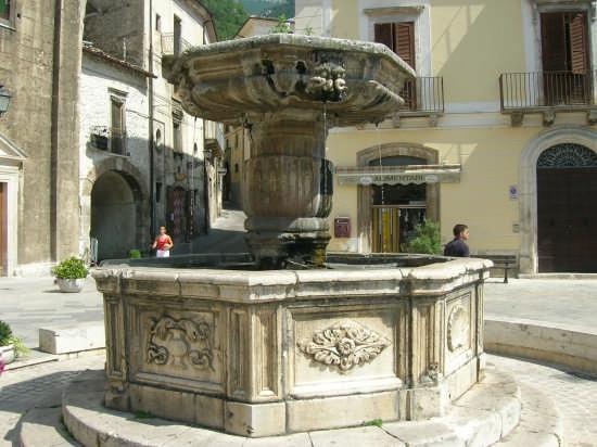 Fontana monumentale - Pacentro (3353 clic)