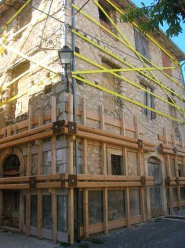 Ricostruzione post terremoto - Pedicciano (3044 clic)