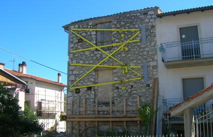 Ricostruzione post terremoto - Pedicciano (2562 clic)