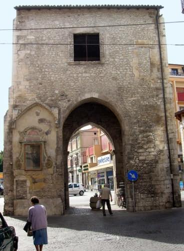 Porta d'ingresso - Sulmona (3320 clic)