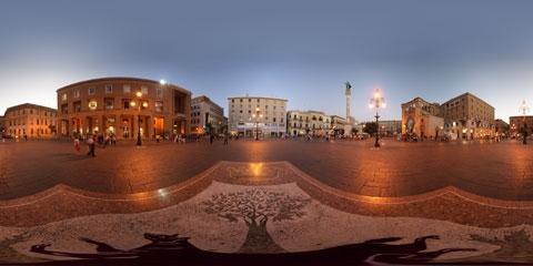 Piazza S. Oronzo - Lecce (4391 clic)