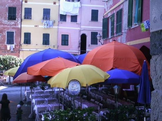 colori liguri - Vernazza (3913 clic)