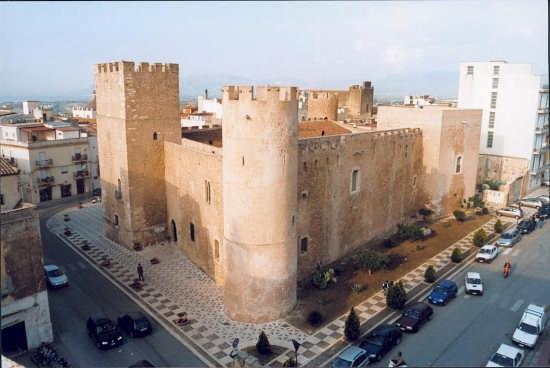 Castello dei Conti di Modica. - Alcamo (8082 clic)