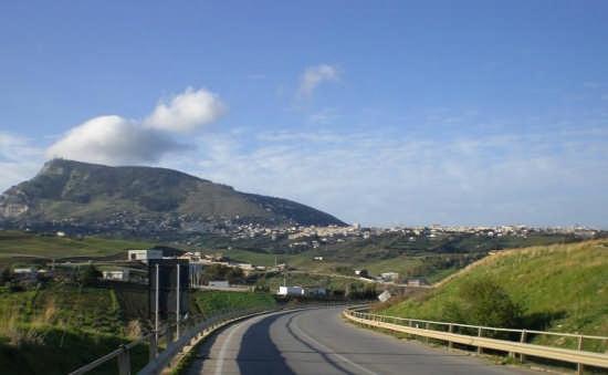 Alcamo e la sua montagna. (5215 clic)