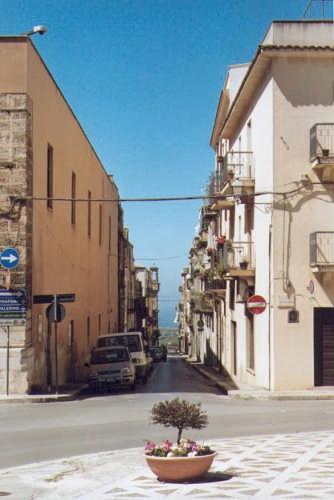 Strada. - Alcamo (3410 clic)