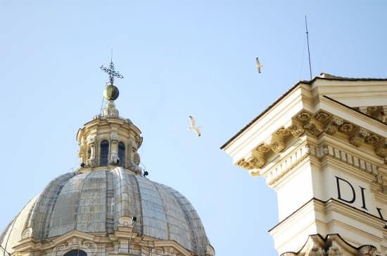 Alziamo lo sguardo - Roma (1708 clic)