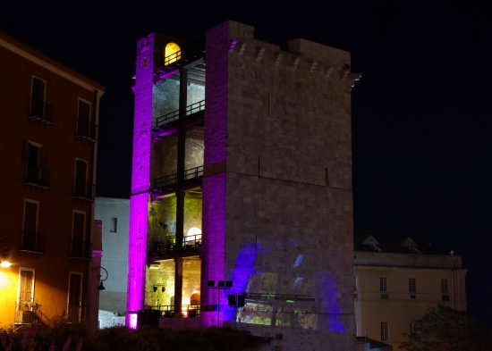 CA Torre dell'Elefante Notte Bianca - Cagliari (4769 clic)