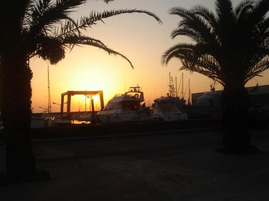 Porto di Riposto al tramonto (4021 clic)