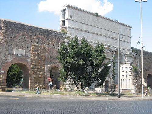Porta maggiore - Roma (1847 clic)