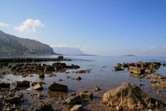 L'Isola delle Femmine vista da Barcarello - Sferracavallo (5980 clic)