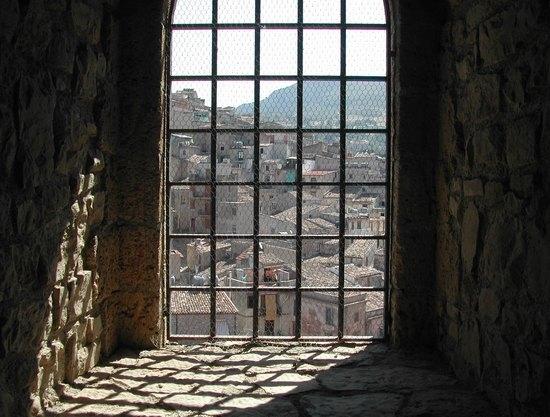 Dalla finestra del Castello - Caccamo (4327 clic)