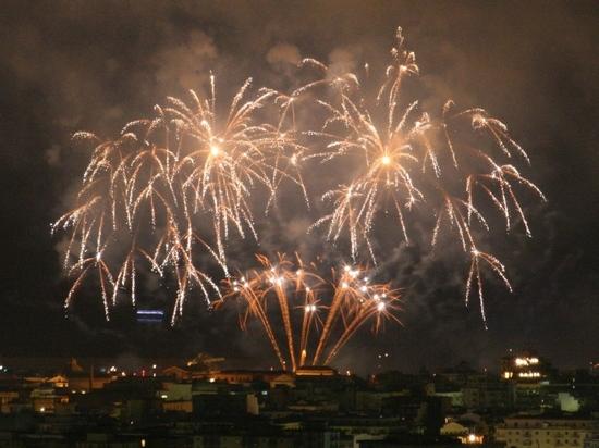 Luce su Palermo (3729 clic)