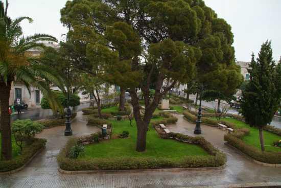 Piazza Maria Josè - Ispica (3897 clic)