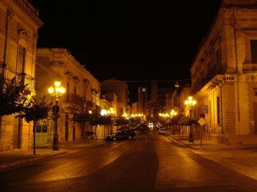 Corso Garibaldi - Ispica (3128 clic)