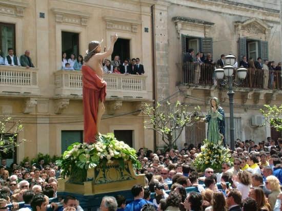 Domenica di Pasqua - Ispica (2930 clic)
