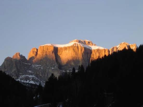 Tramonto sul massiccio del Sella - Canazei (4800 clic)
