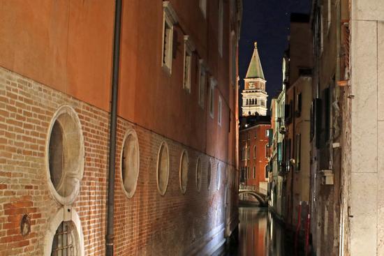 Campanile San Marco in notturna  - Venezia (339 clic)