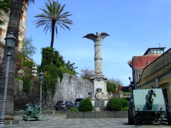 Monumento ai caduti - Mascalucia (2866 clic)