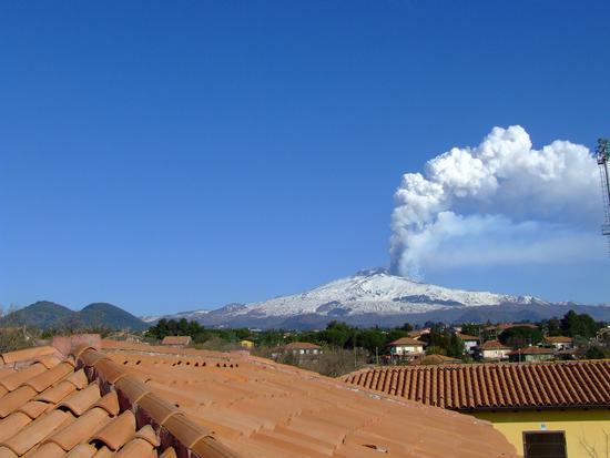 Eruzione Etna 4-3-2012 - Massannunziata (1761 clic)