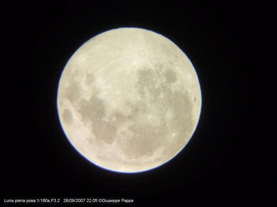 Luna piena - MASCALUCIA - inserita il 04-Jan-08