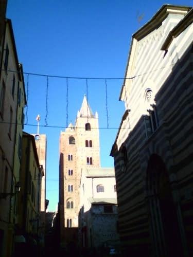La Cattedrale di Albenga (2284 clic)