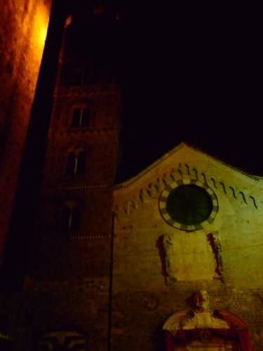 La Cattedrale di Albenga -notturna (2108 clic)