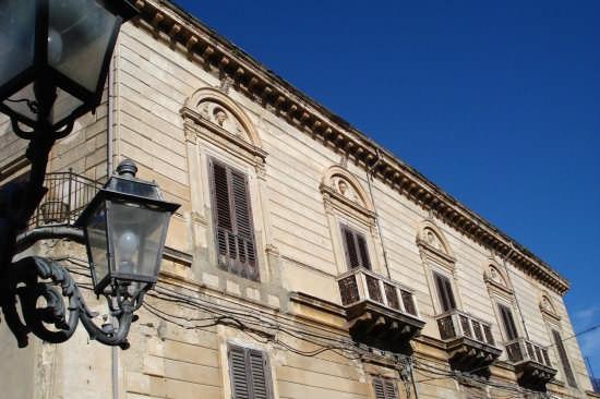 Palazzo Salamone - Mistretta (5639 clic)