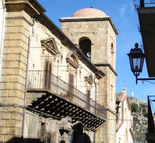 Palazzo Scaduto - Lipari - Mistretta (5078 clic)