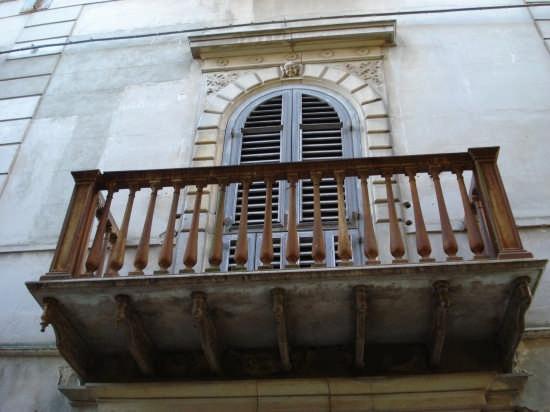 Balcone Palazzo Tita - Mistretta (4290 clic)