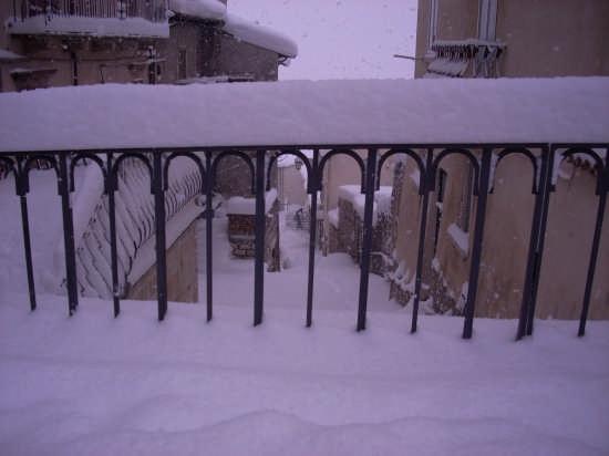 Pescocostanzo nevicata del 15-12-2007 (1615 clic)