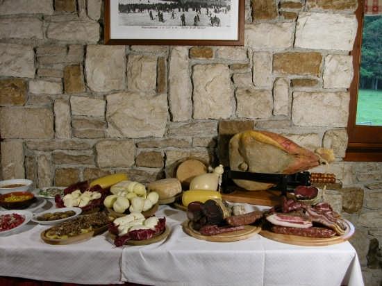 Pescocostanzo prodotti tipici ristorante Il Faggeto (4599 clic)