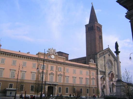 piazza duomo - Piacenza (4579 clic)